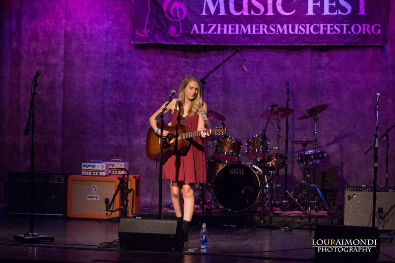 peyton-parker-at-alzheimers-music-fest